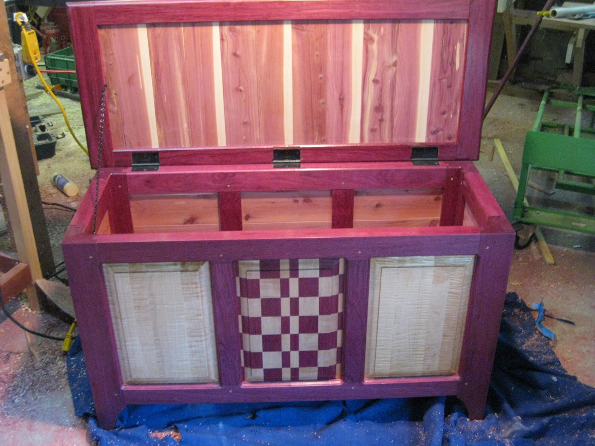 Purpleheart Hope Chest A Study In Color The Wood Whisperer