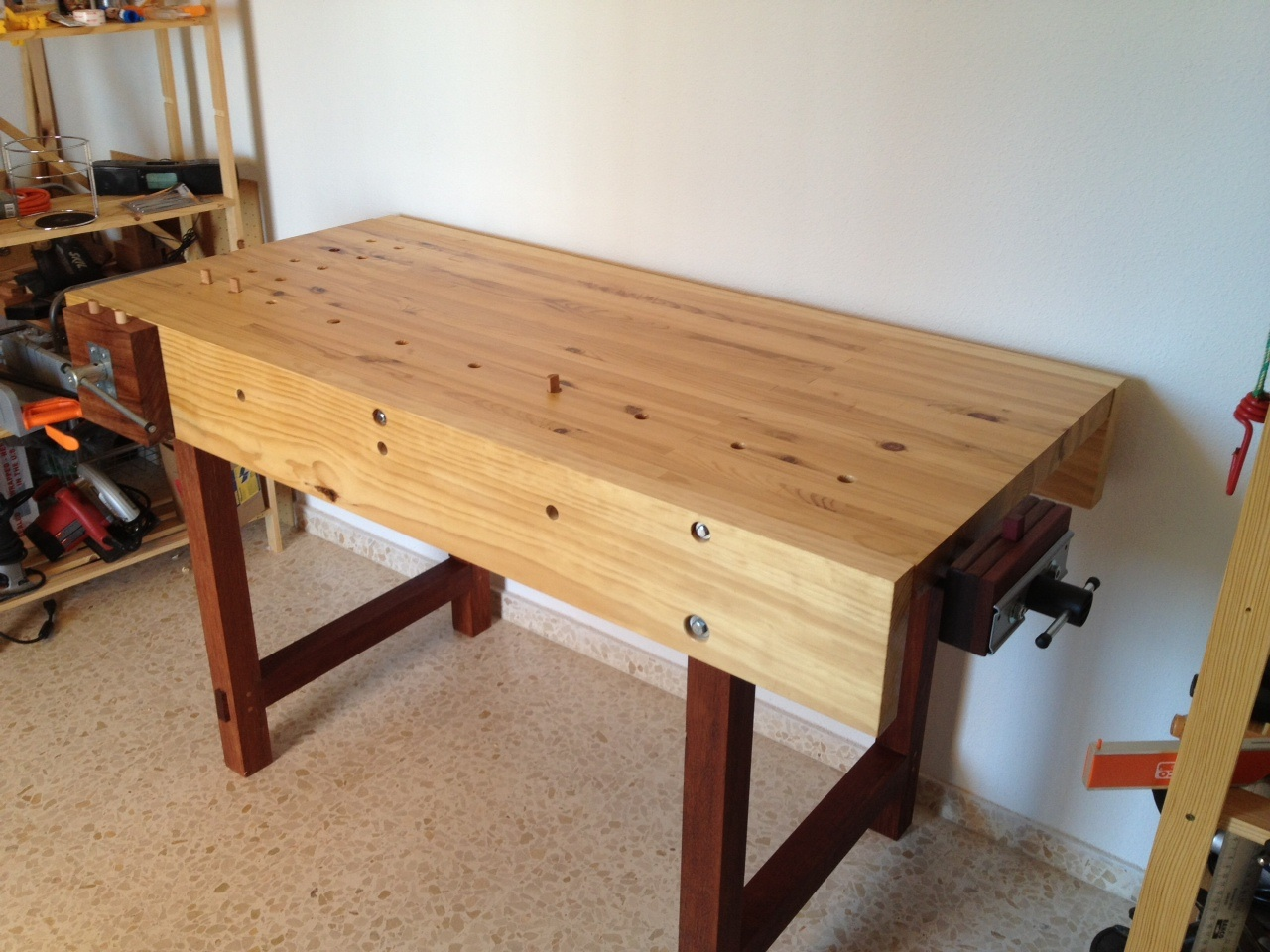 daniel's woodworking bench - the wood whisperer