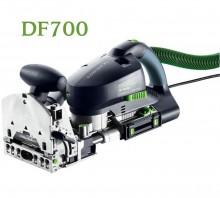 df700