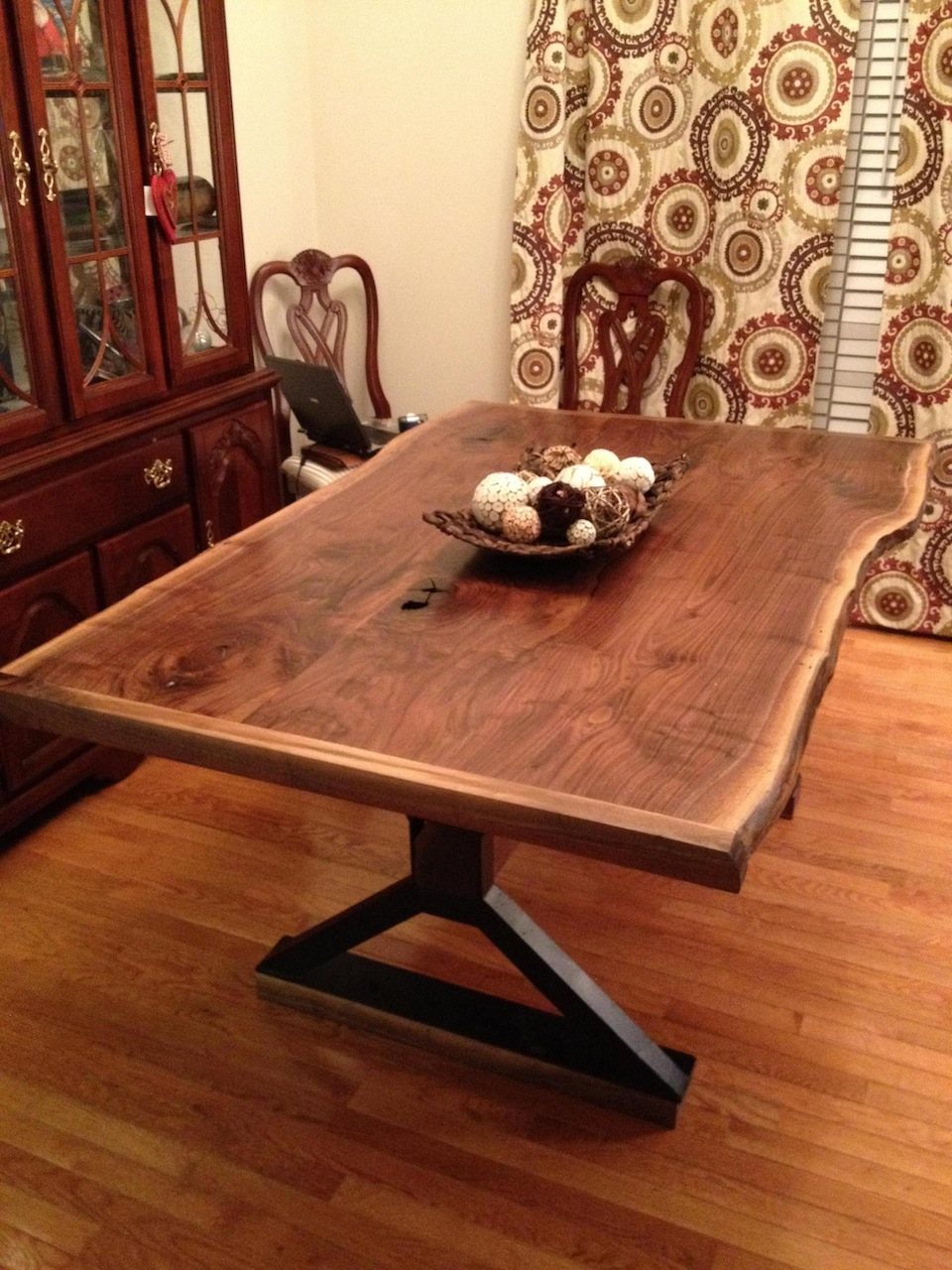 Jeff S Live Edge Dining Table The Wood Whisperer