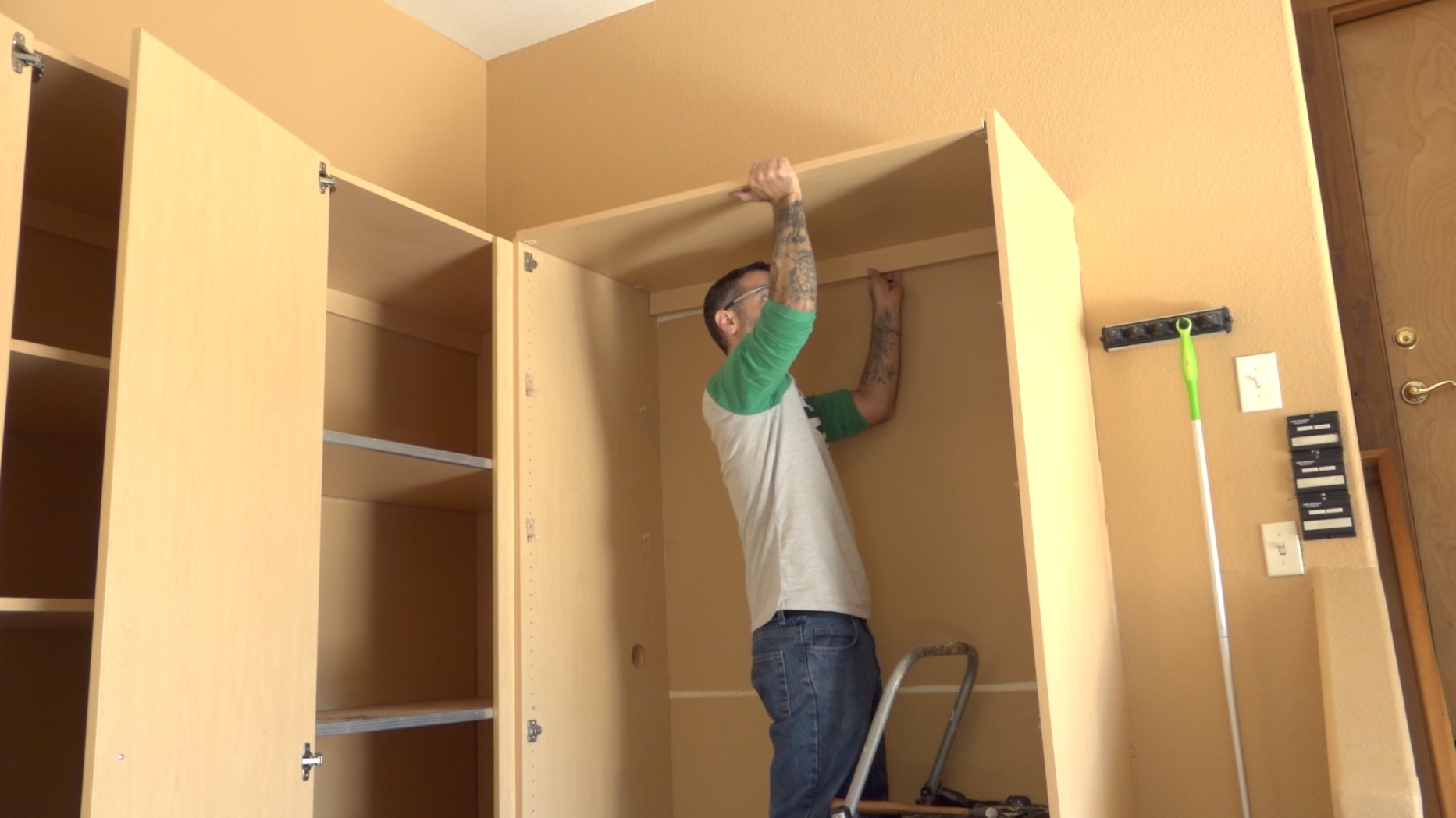 removing-cabinets