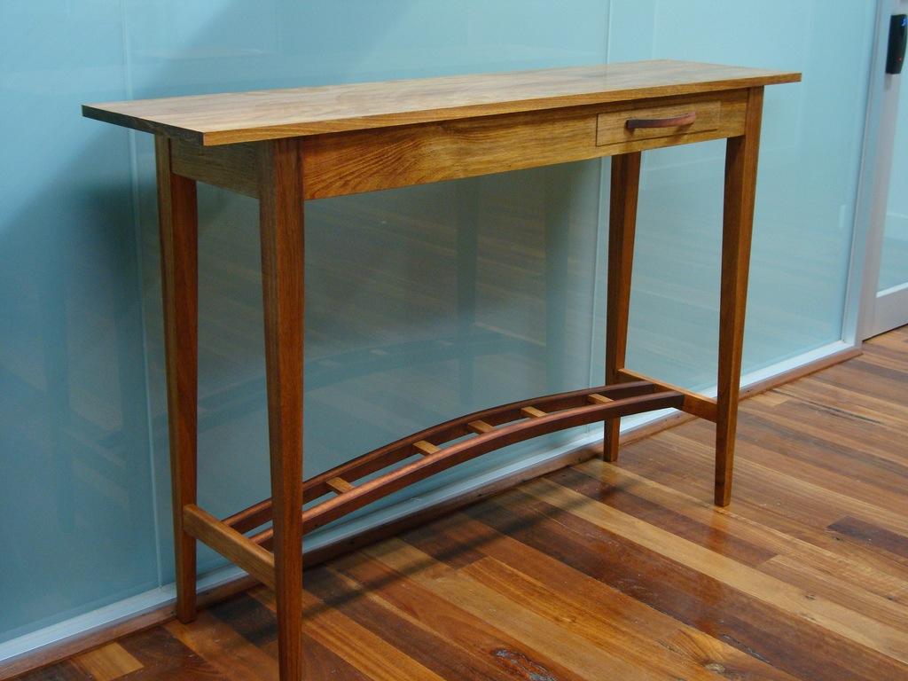 Tasmanian Blackwood Hall Table - The Wood Whisperer